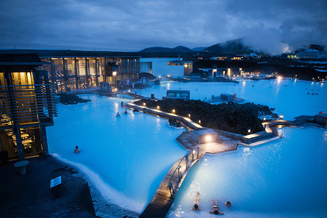 Blue-Lagoon-Geothermal-Spa-in-Iceland-2