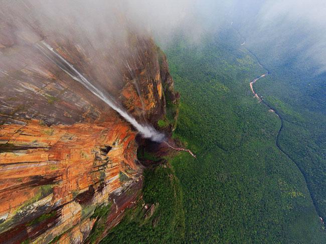 venezuela-waterfall-2