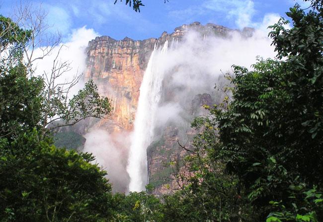venezuela-waterfall-3