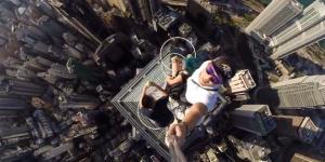 Crazy Selfie From Hong Kong Skyscraper