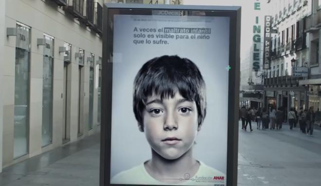 虐待から子供を守る広告