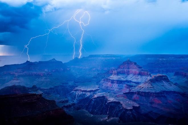 世界で撮影された雷や雷雲のすごい画像12