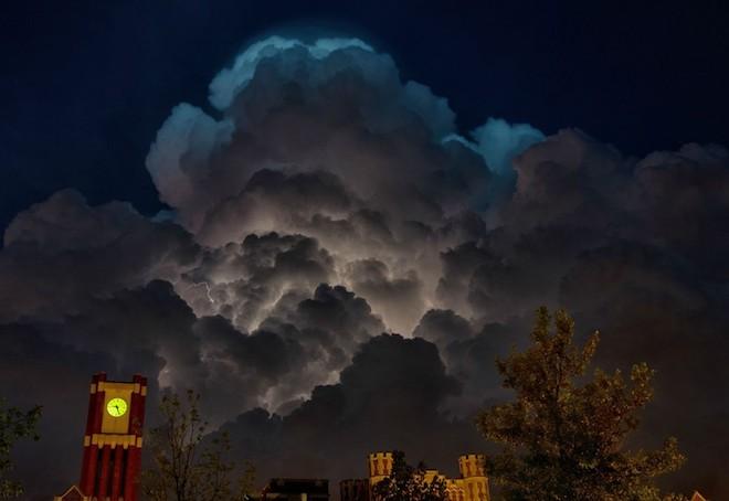 世界で撮影された雷や雷雲のすごい画像37