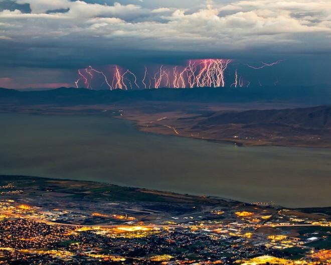 世界で撮影された雷や雷雲のすごい画像35