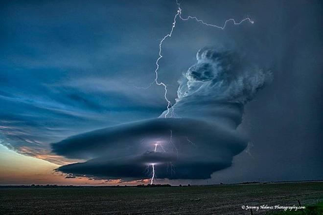 世界で撮影された雷や雷雲のすごい画像10