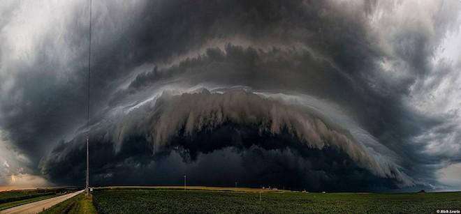 世界で撮影された雷や雷雲のすごい画像21