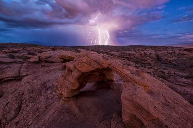 世界で撮影された雷や雷雲のすごい画像24