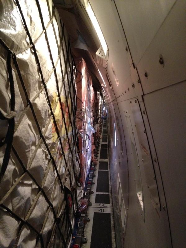 20万台ものiPhone6を積み込んだ飛行機3