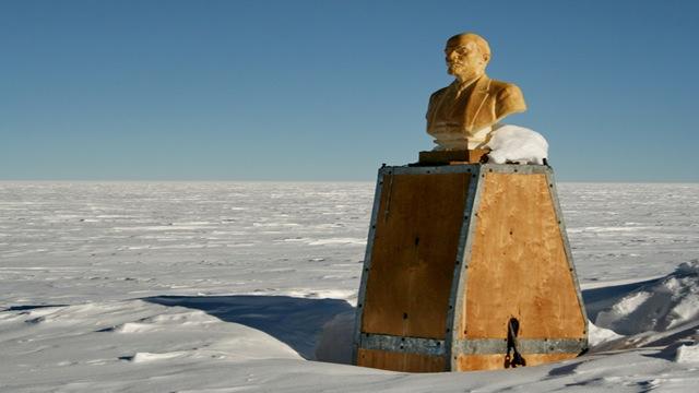 世界で最も海から離れた場所:南到達不能極(南極)