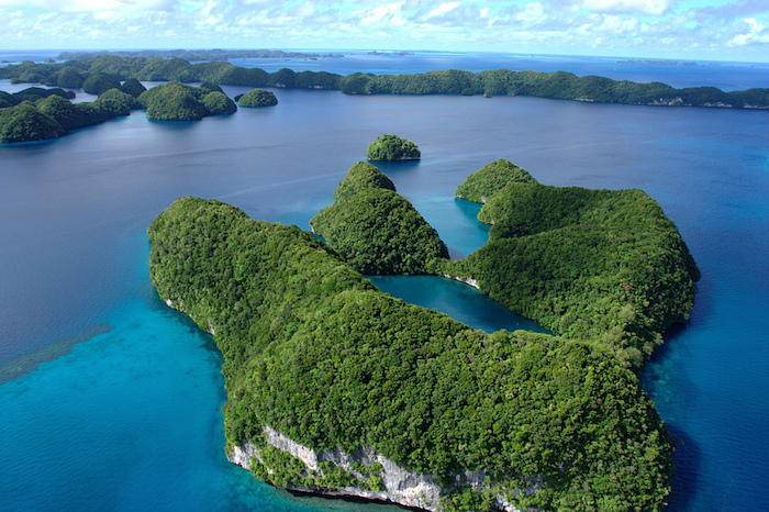 パラオにある自然が作り出した絶景の世界遺産『ロックアイランド群と南ラグーン』2