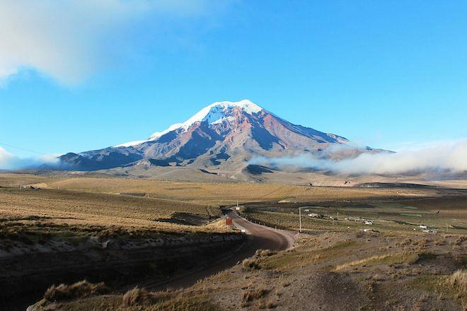 地球の中心から最も離れた場所:チンボラソの山頂(エクアドル)