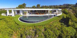 マインクラフト御殿?『Minecraft』の開発者が購入した大邸宅を公開!