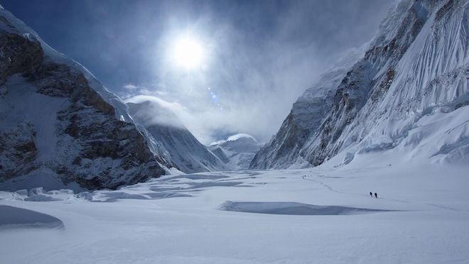 世界一標高の高い場所 – エベレストの山頂
