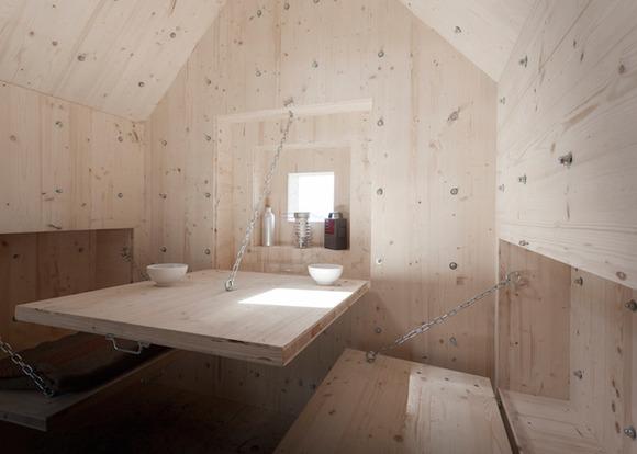 Bureau Aがプロジェクトし制作された岩の形をした山小屋「antoine」8