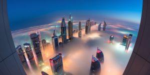 雲を見下ろすほどの高さ!近未来的な美しさを持つドバイの超高層ビル群