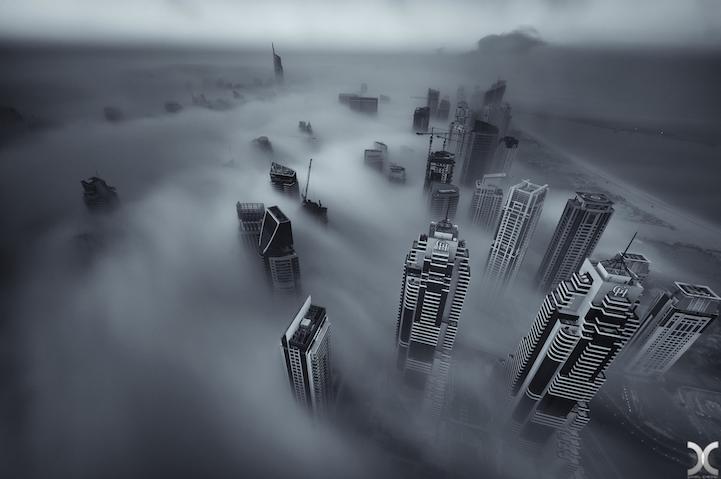 近未来的な美しさを持つドバイの超高層ビル群2