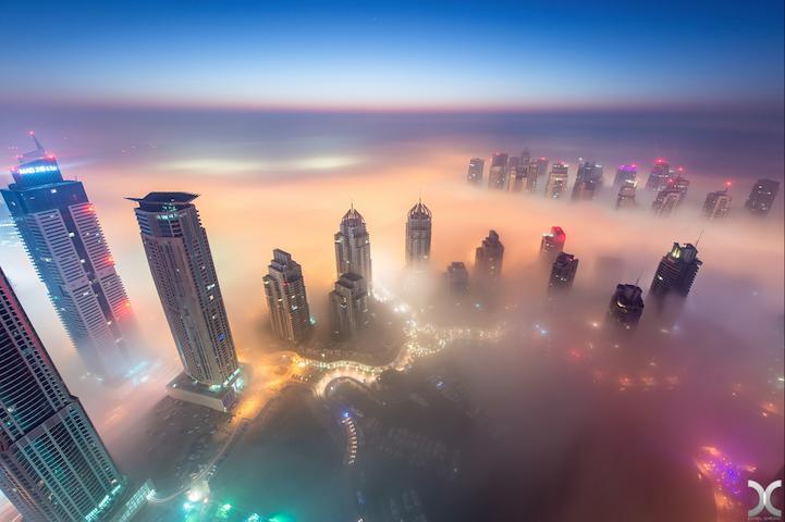 近未来的な美しさを持つドバイの超高層ビル群7