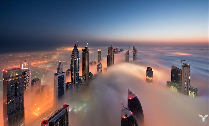 近未来的な美しさを持つドバイの超高層ビル群4