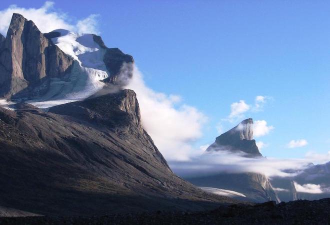 世界最大の断崖絶壁 – トール山(カナダ)