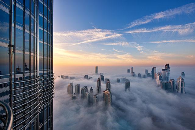 近未来的な美しさを持つドバイの超高層ビル群9