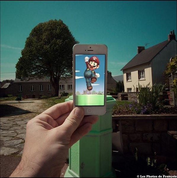 スマホ画面に表示された映画のワンシーンと風景を組み合わせた面白い写真の撮り方5