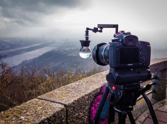 スノードーム越しに撮影された素敵すぎるタイムラプス動画3選