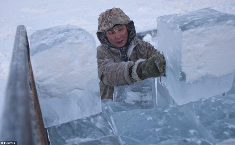 """平均気温マイナス50℃!""""世界で一番寒い村""""の称号を持つロシア・オイミャコン村4"""