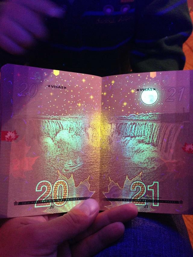 カナダの新パスポートに隠された秘密がオシャレすぎる!012