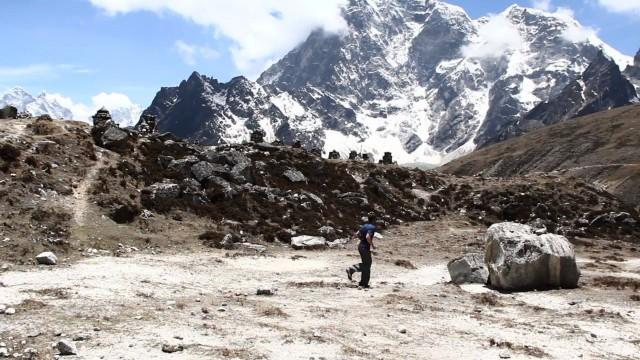 今すぐ旅に行きたくなる!12カ国を8ヶ月間かけて渡り歩くミュージック映像「Passion Pit – Take A Walk」2