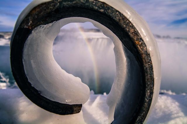 ナイアガラの滝までも凍る4