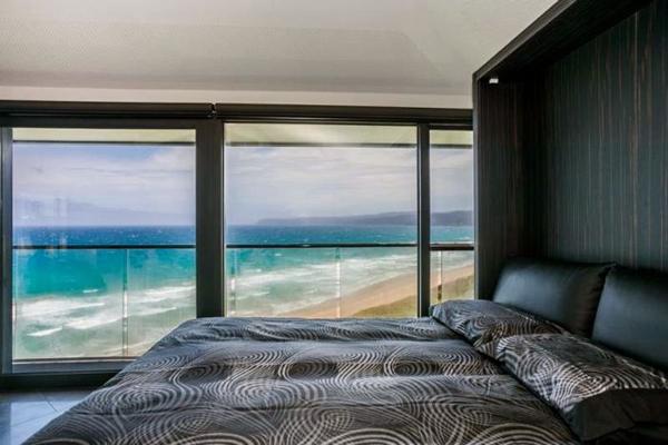 オーシャンビューが目の前に!オーストラリアにある空と海の境界に建てられたモダンハウス「THE POLE HOUSE」-06