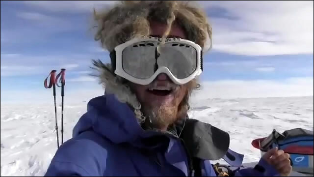 南極大陸一人旅中に食料を発見した時の喜びといったら計り知れません