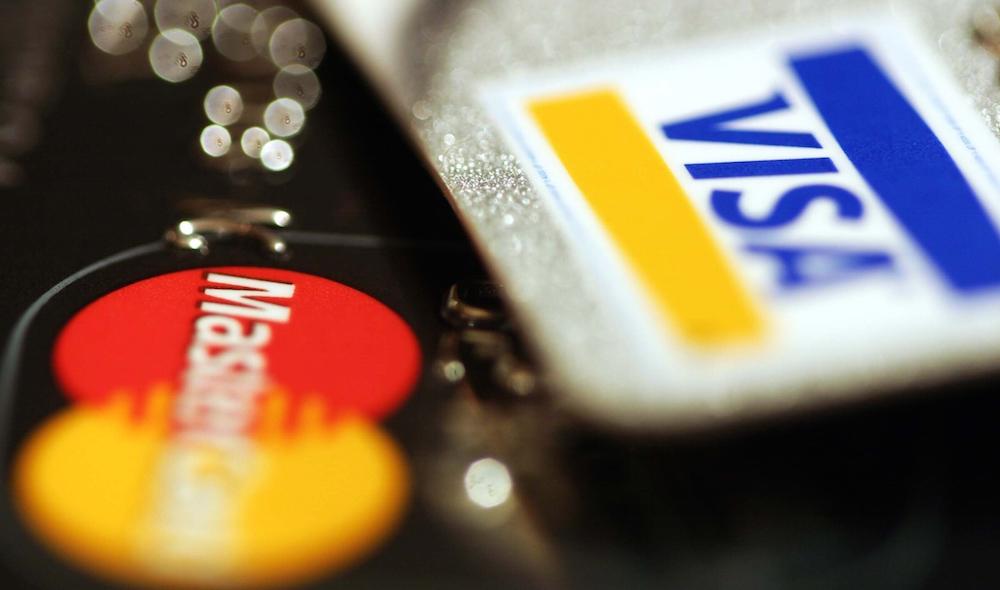 国際キャッシュカードのメリット・デメリット